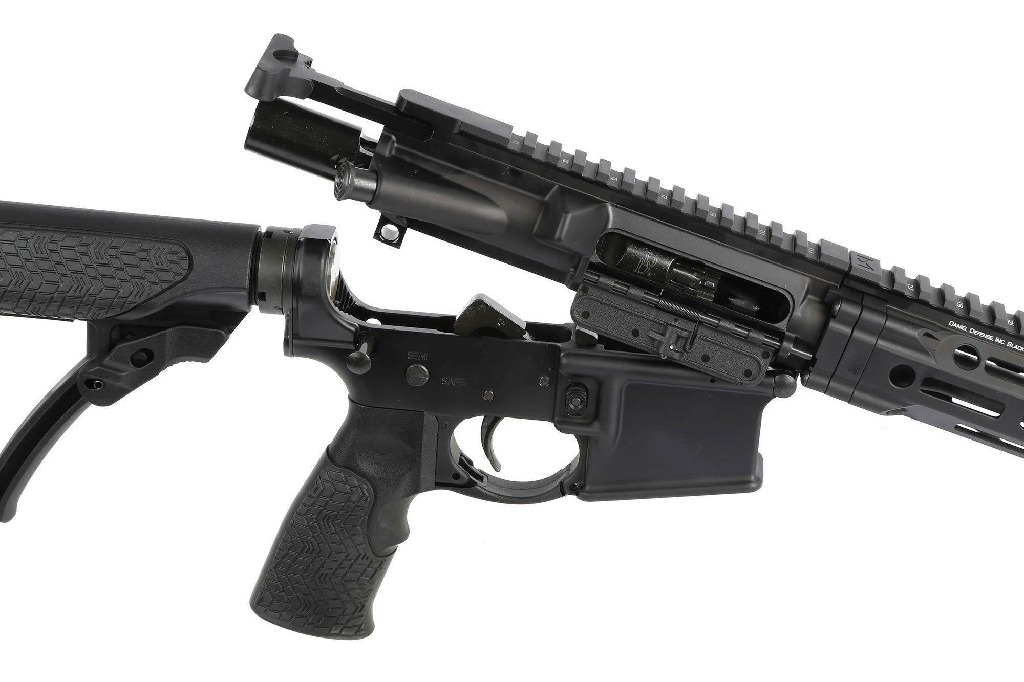 The Daniel Defense DDM4 v7 ar15 carbine features a mil-spec trigger