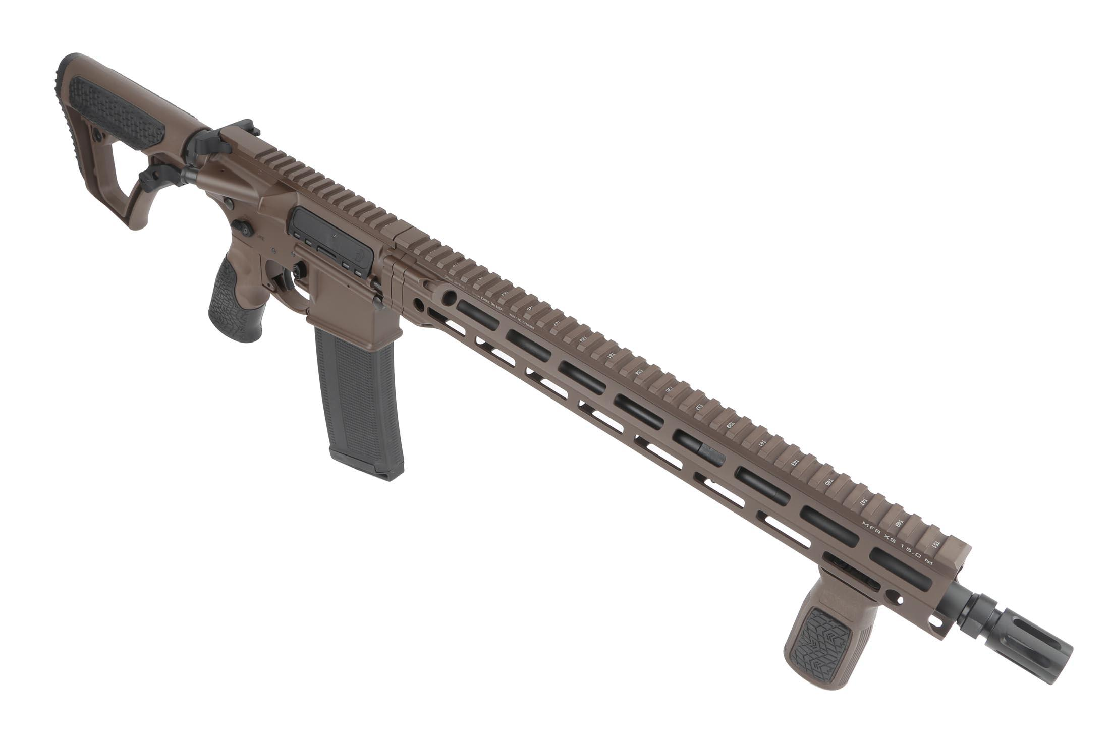 The DDM4v7 Daniel Defense rifle with Mil-Spec puls coating features the MFR XS M-LOK handguard