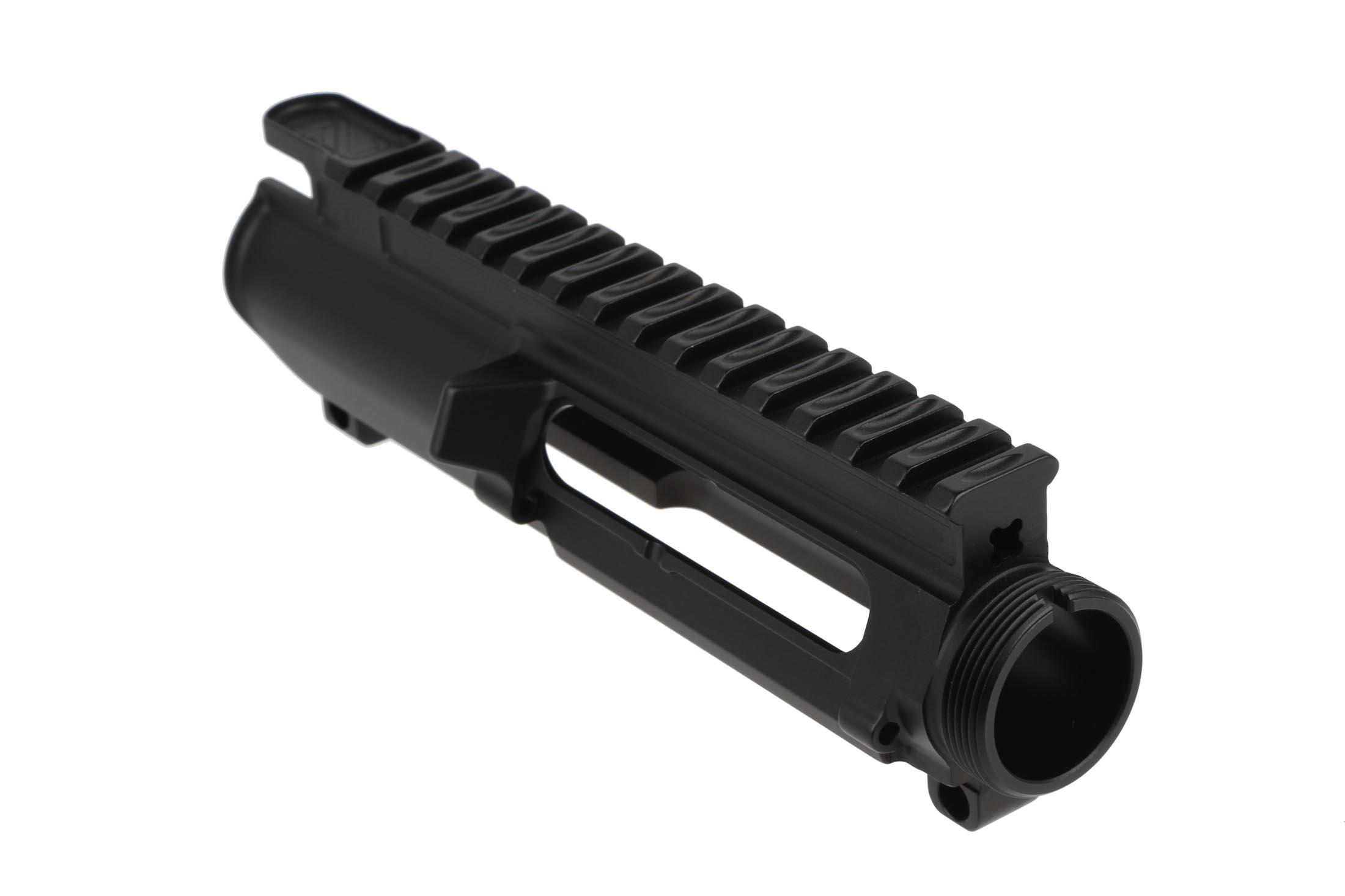 The 2A Armament Balios billet AR15 upper receiver does not include a dust cover