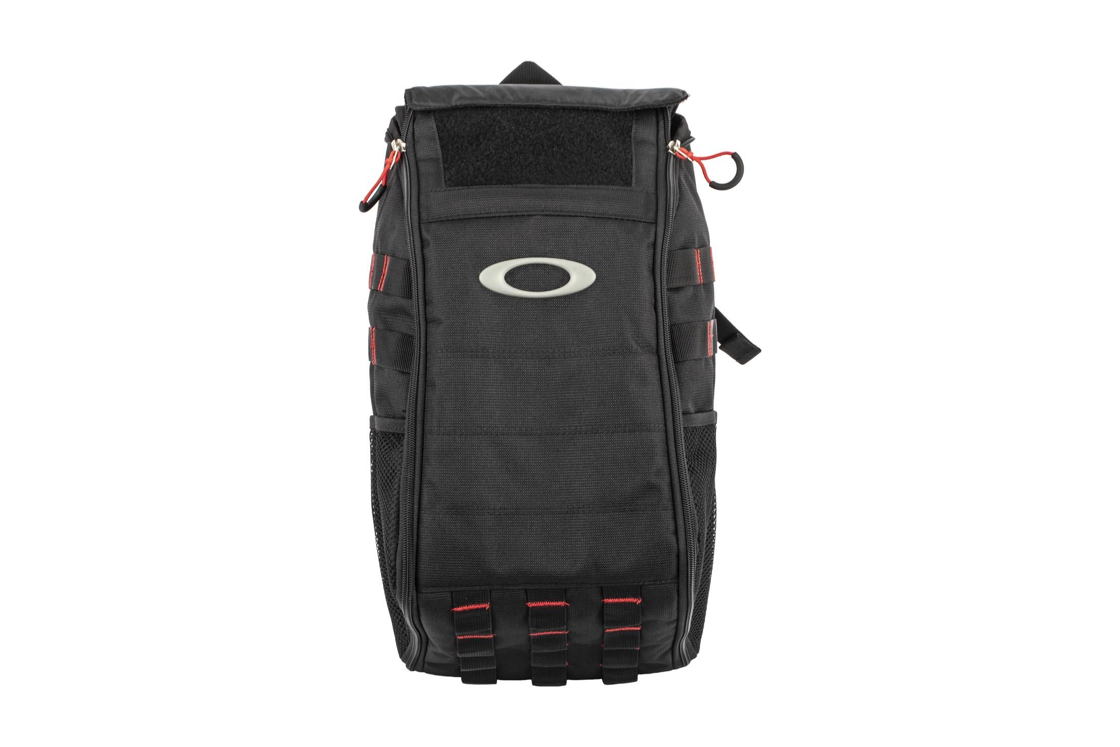 983c33647b900 ... The Oakley Extractor Sling Bag is the perfect EDC bag for the commuter  on the go ...