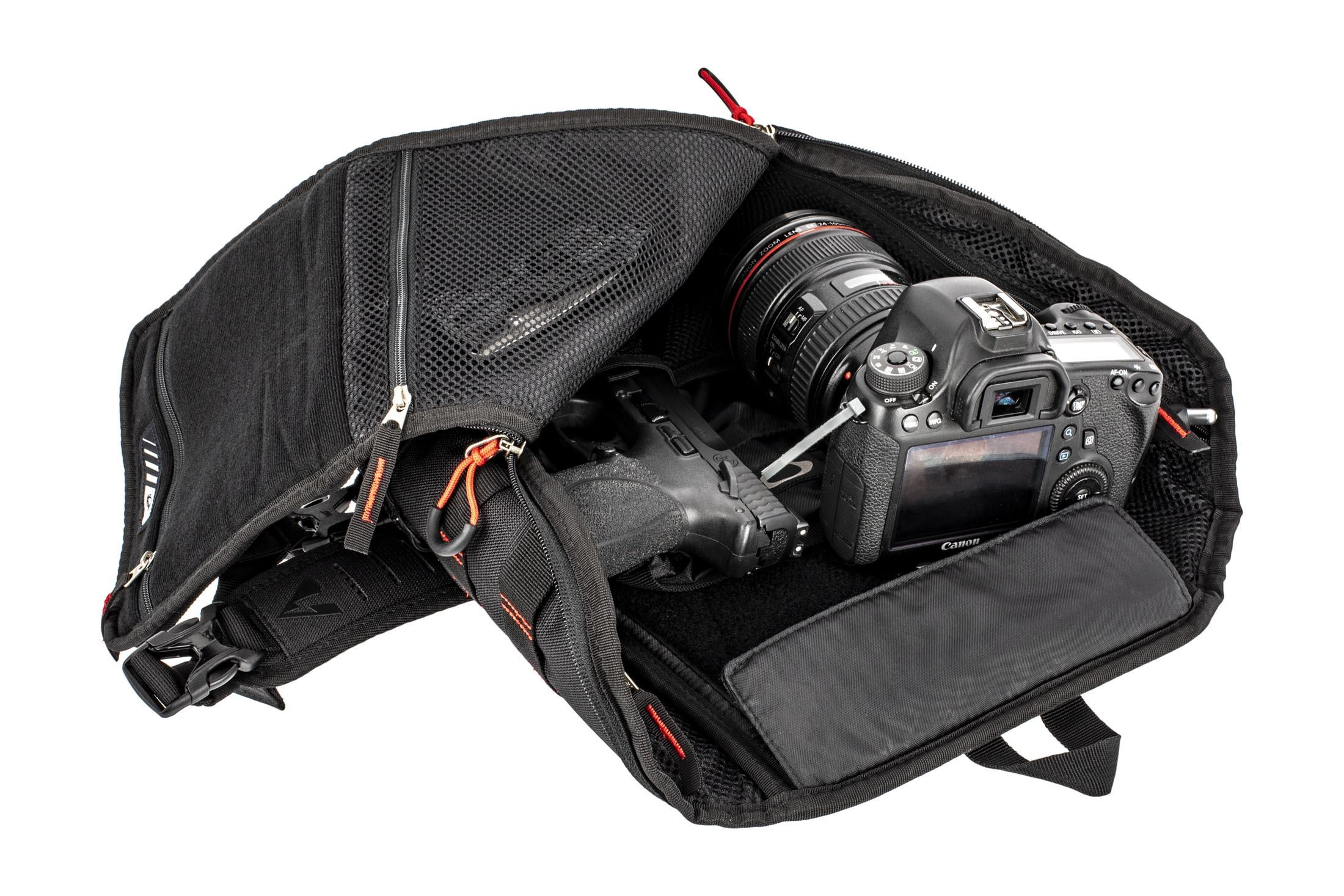 4145338709827 The Oakley Extractor Sling Backpack has a removable pouch that can hold all  your essentials ...