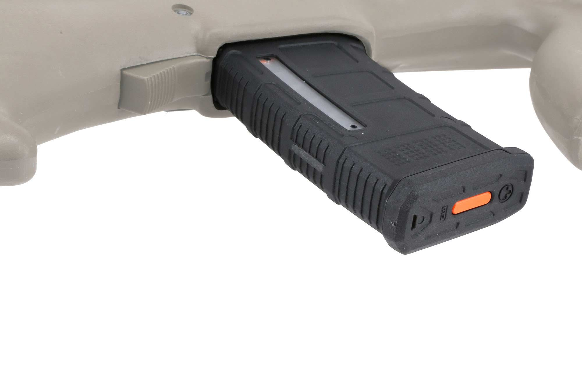 The Magpul PMAG Steyr AUG magazine has an easily removeable base plate
