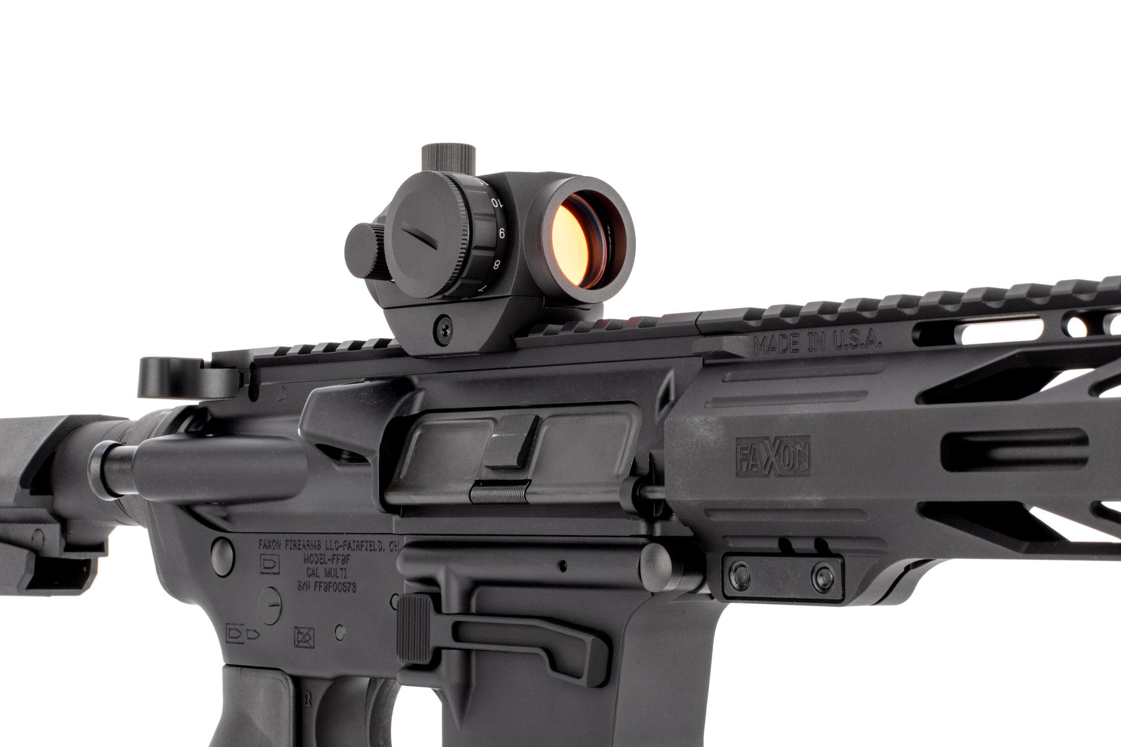 The primary arms red Dot features a removeable base and 1,000 hour battery life