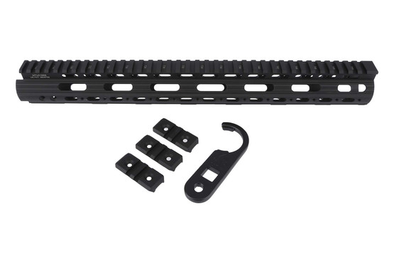 The leapers utg pro super slim freefloat handguard model 4/15 includes 3 2-slot rail sections