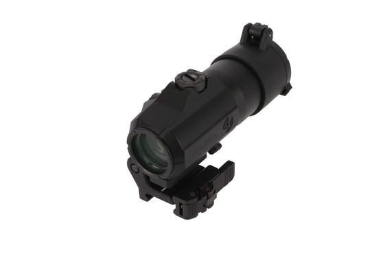 The Sig Sauer Juliet4 4x magnifier features a flip to side mount