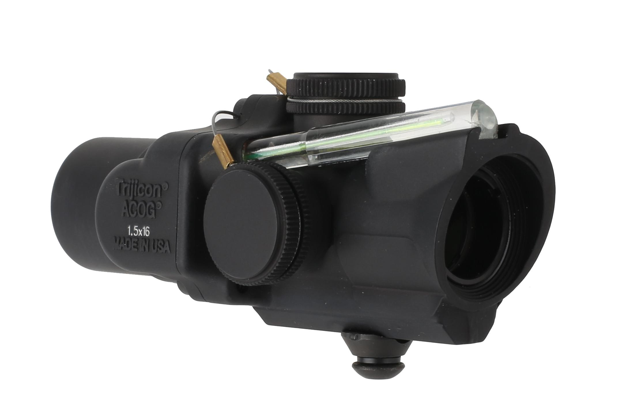 Trijicon 1.5x16S ACOG with low base and ACSS CQB-M5 reticle is illuminated by Tritium and a green light gathering fiber optic